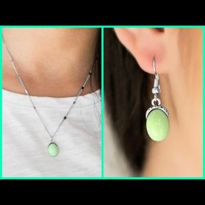 Green earrings and necklace